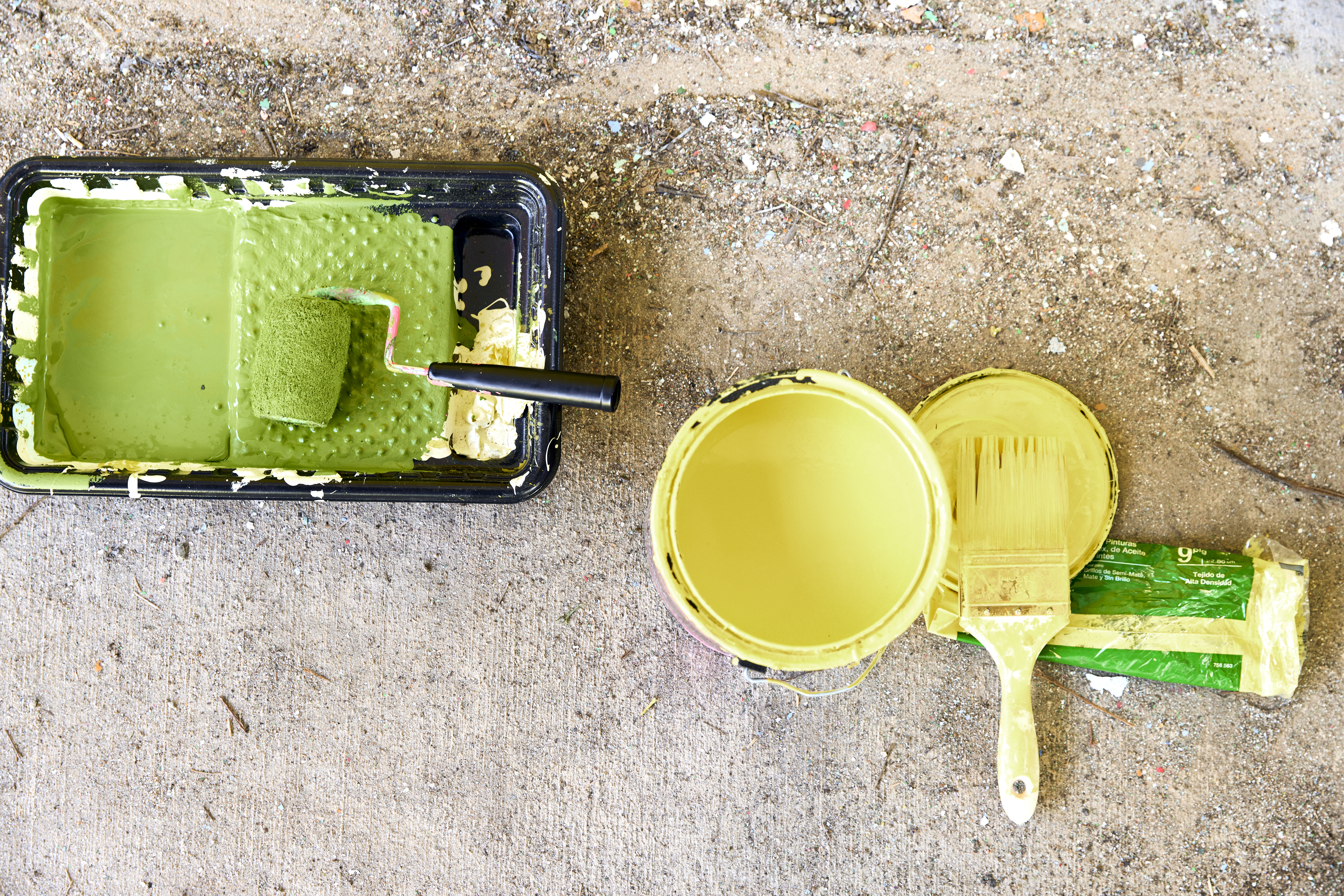 Paint in a can and on a roller